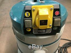Makita 4401 Dust Extractor 110v with tool take off Wet & Dry Vacuum- Used